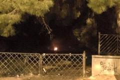 Incendio in un campo nei pressi della stazione