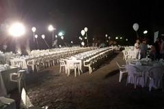 Cena in bianco: nonostante la pioggia, un successo