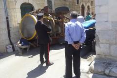 Cisterna si ribalta in via Spineto