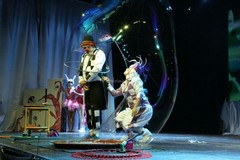 Grandi emozioni sabato a Miragica, arriva la Notte Bianca del Circo e lo stunt show