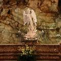 La suggestione della Grotta di San Michele di notte