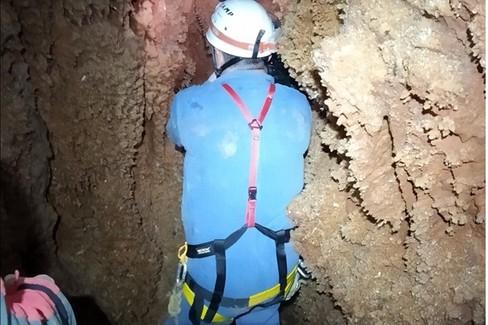 Grotta carsica