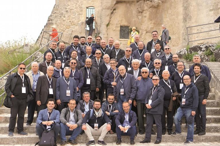 Mons. Mansi con i sacerdoti della Diocesi di Andria