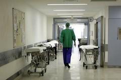 Furti ai pazienti, i lavoratori: «Questa vicenda non appartiene al nostro mondo»