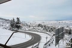 La neve imbianca Minervino, persiste l'allerta meteo arancione