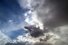Per le prossime ore attesi vento forte e precipitazioni diffuse