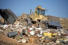 Discarica Tufarelle, Caracciolo: «Ok verifiche ARPA, impegno a destinare somme per tutela ambientale»