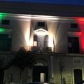 Palazzo di Città si illumina del tricolore