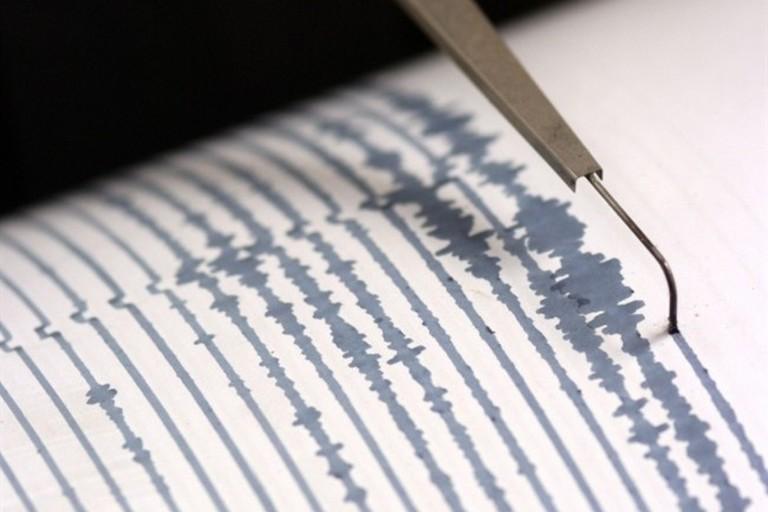 sismografo per avvertire i terremoti